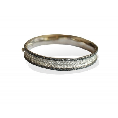 Diamond Bangle in 14k White Gold