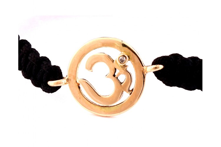 Om Single Diamond Bracelet in Gold