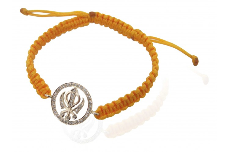 Khanda Bracelet in Gold with Diamonds