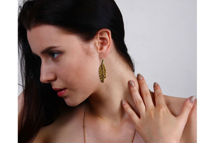 Gold plated silver earring in Classic Leaf design with diamonds