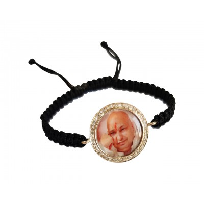 Auspicious guruji swaroop bracelet in gold with diamonds
