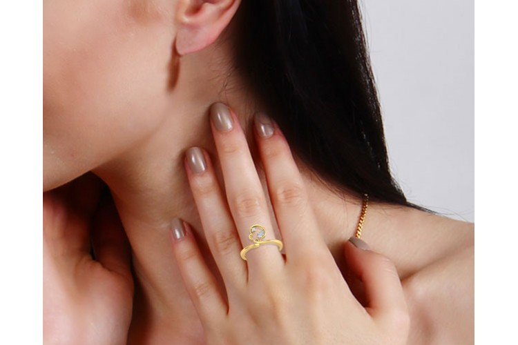 Reya Diamond Ring In gold