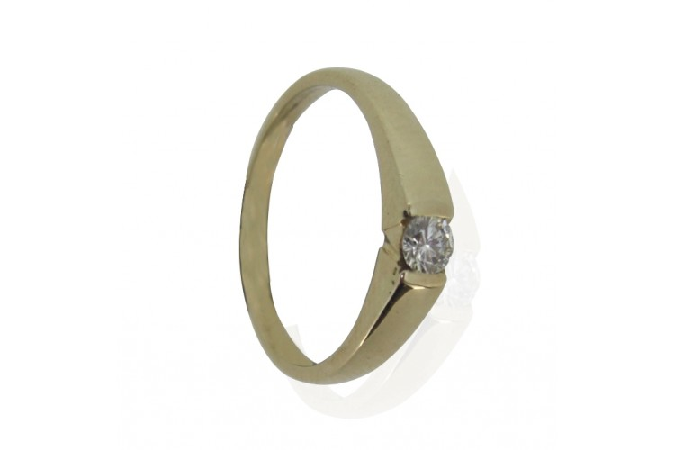 Gold Ring with Single Diamond