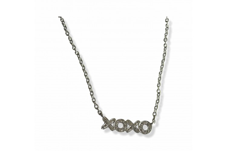 Hugs N Kisses Pendant With Diamonds